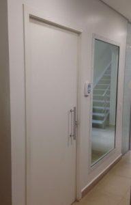 porta protecao radiologica 03 192x300 - Porta de Proteção Radiológica